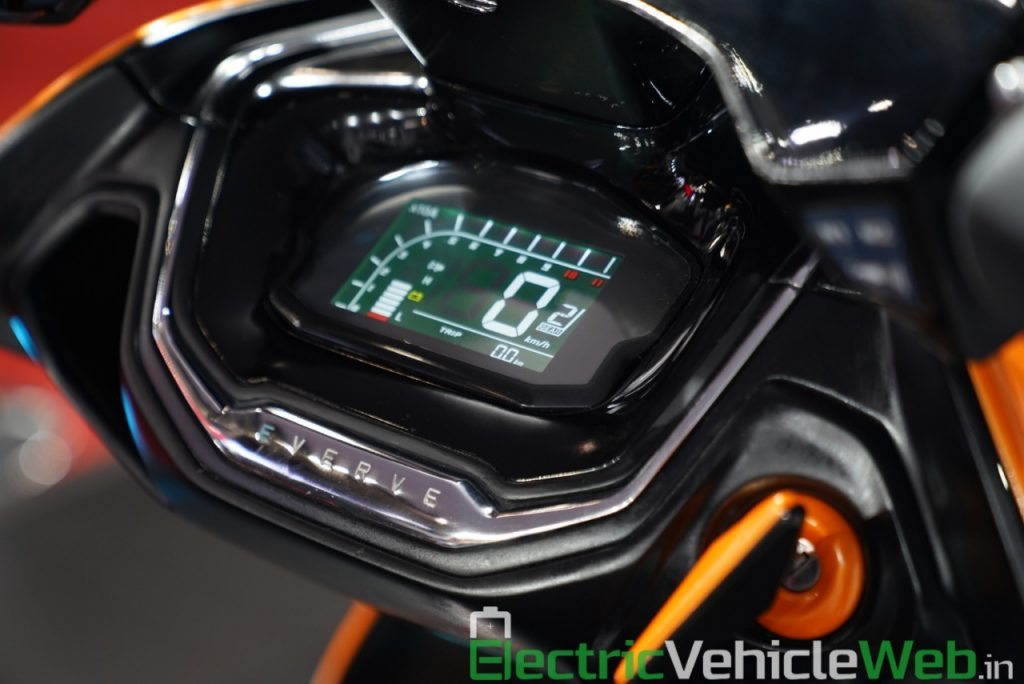 Everve Motors Electric Scooter digital instrument cluster - Auto Expo 2020 Live