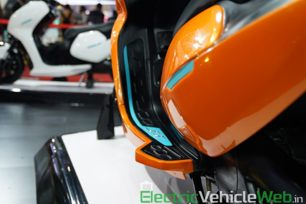 Everve Motors Electric Scooter foot rest - Auto Expo 2020 Live