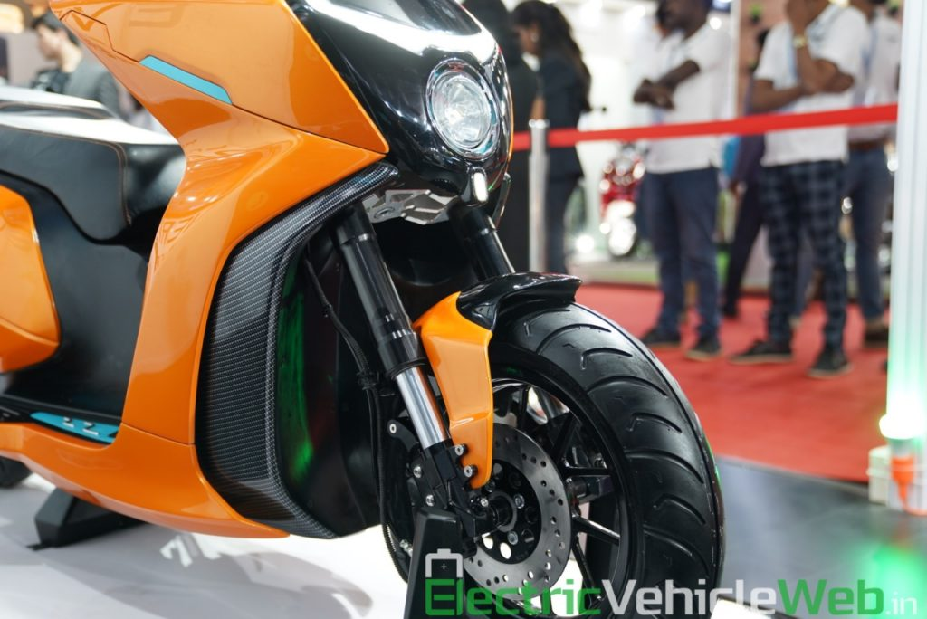 Everve Motors Electric Scooter front fork - Auto Expo 2020 Live