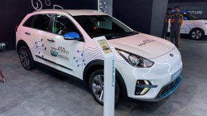 Kia Niro Electric front three quarters at Auto Expo 2020
