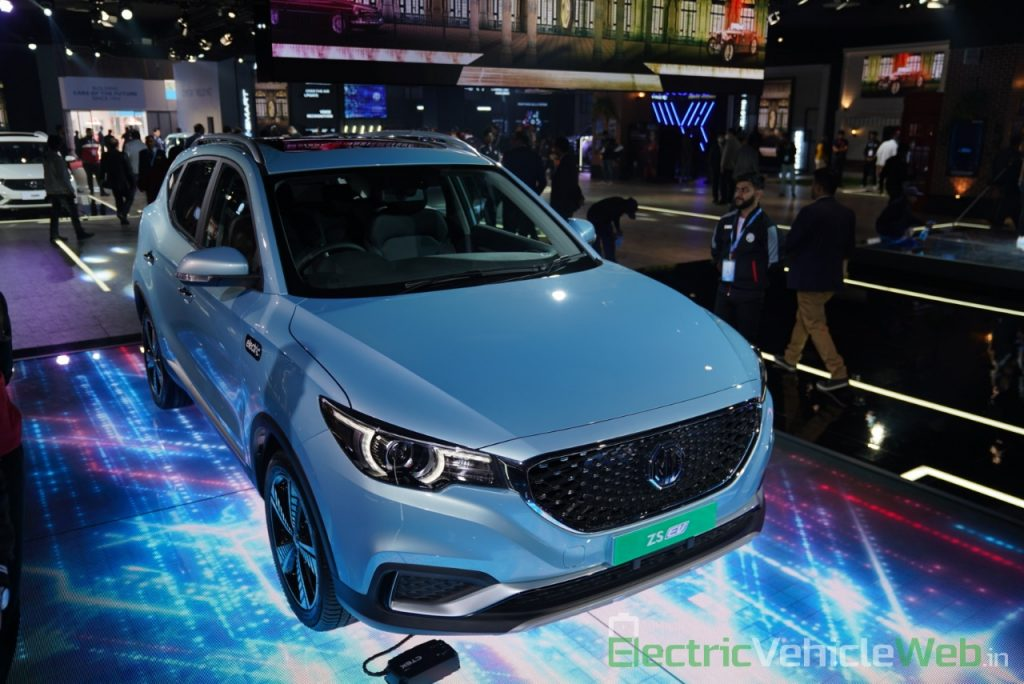 MG ZS EV front three quarter view 1 - Auto Expo 2020