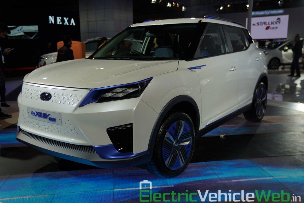 Mahindra eXUV300 front three quarter view - Auto Expo 2020