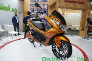Okinawa Cruiser front three quarter view 1 - Auto Expo 2020 Live