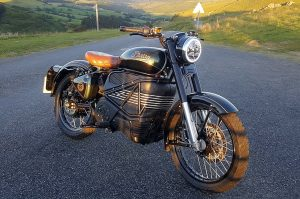 Royal Enfield Bullet Photon Electric front three quarter view 01