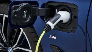 2021 BMW 5 Series Hybrid plug
