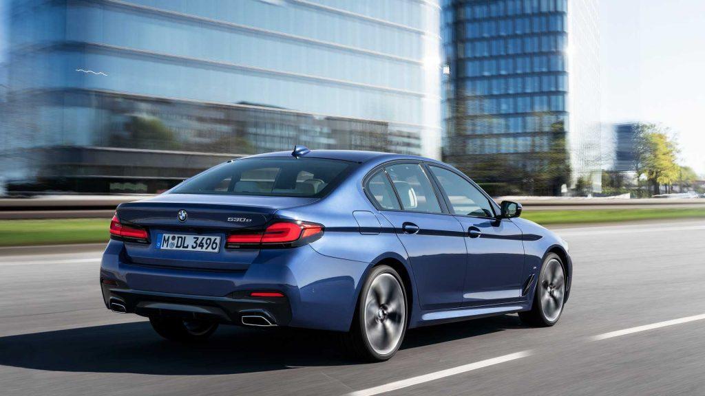 2021 BMW 5 Series Hybrid rear
