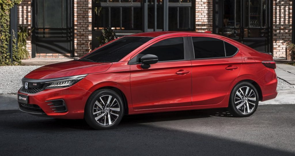 2021 Honda City Hybrid front quarters Malaysia 2020