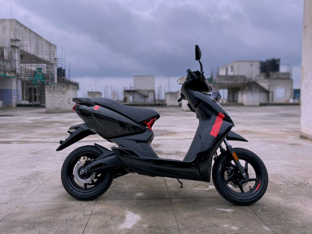 Ather 450X Series1 right side