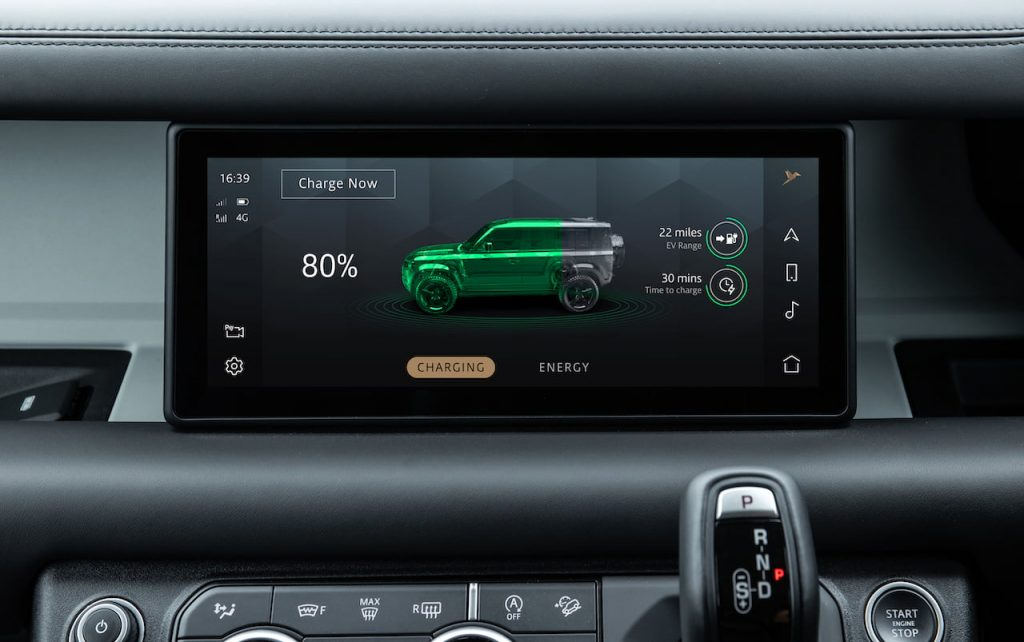 Land Rover Defender PHEV P400e charging stats infotainment