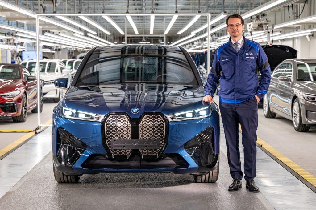 BMW iX front