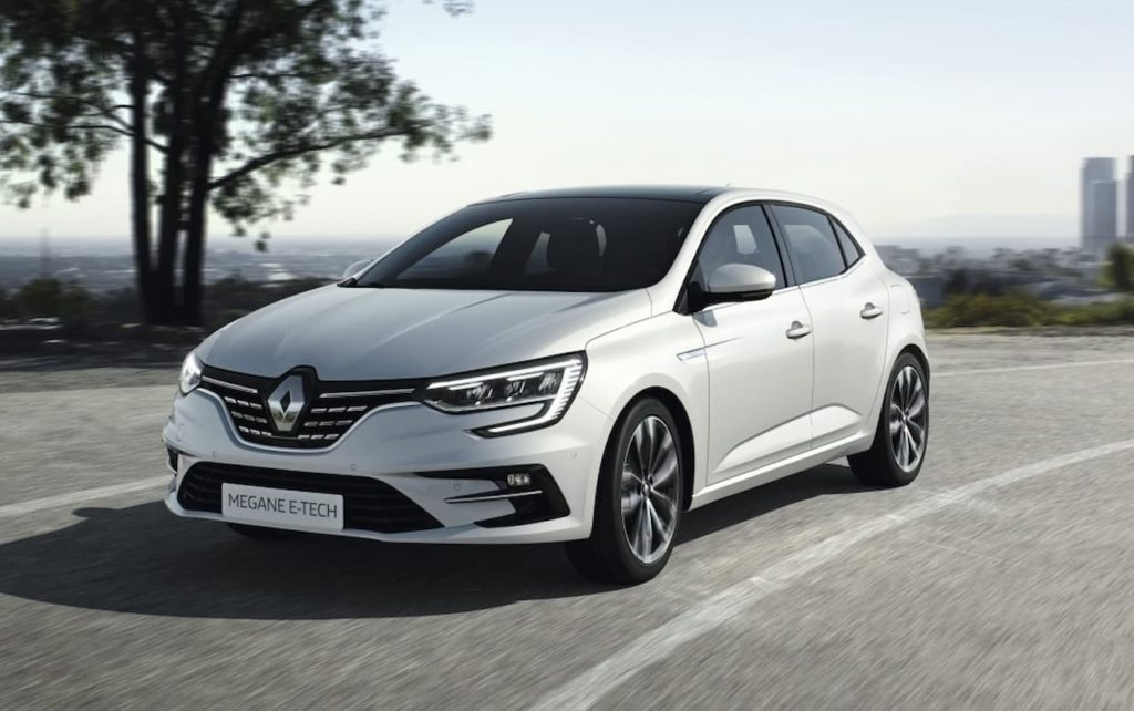Renault Megane hatch plug-in hybrid front three quarter right
