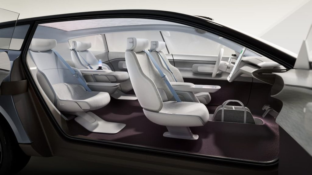 Volvo Concept Recharge cabin